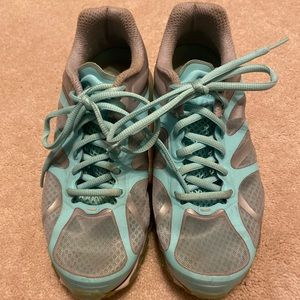 Teal & Gray Size 7.5 Nike Air Max athletic shoes